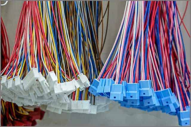 Colorful wire harness and connector housing