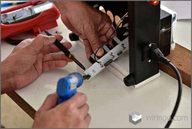 measure the current power of electrical components