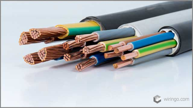 Power cable with jackets for electrical connection