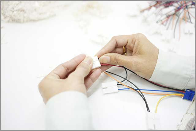 Assemble wire harness, electrical wire