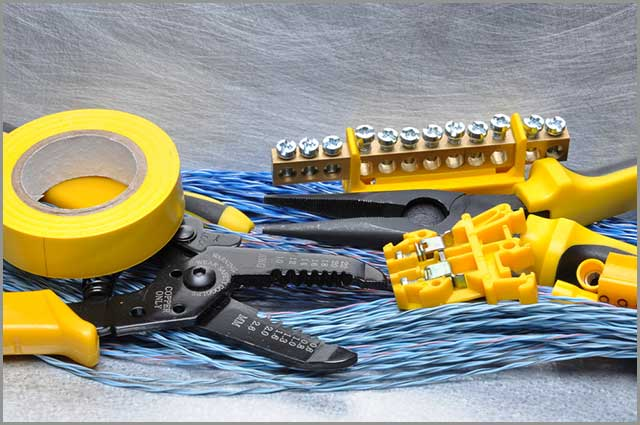 Crimping tool component and cables