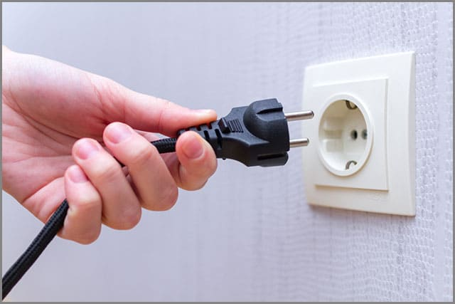 A cable plug and socket connector