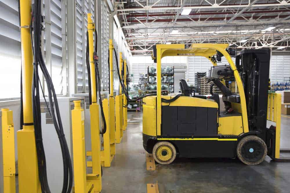 Rechargeable electric forklift