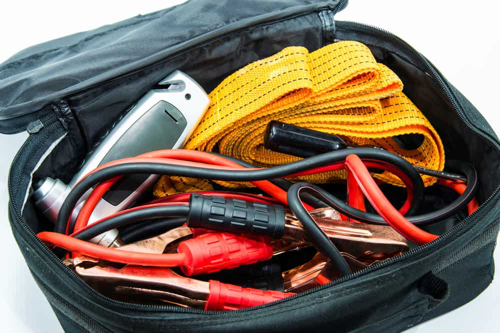 An emergency kit for cars