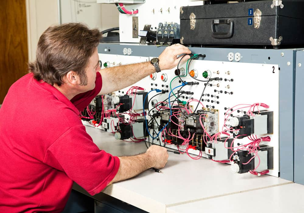 Caption: Motor control in electrical engineering