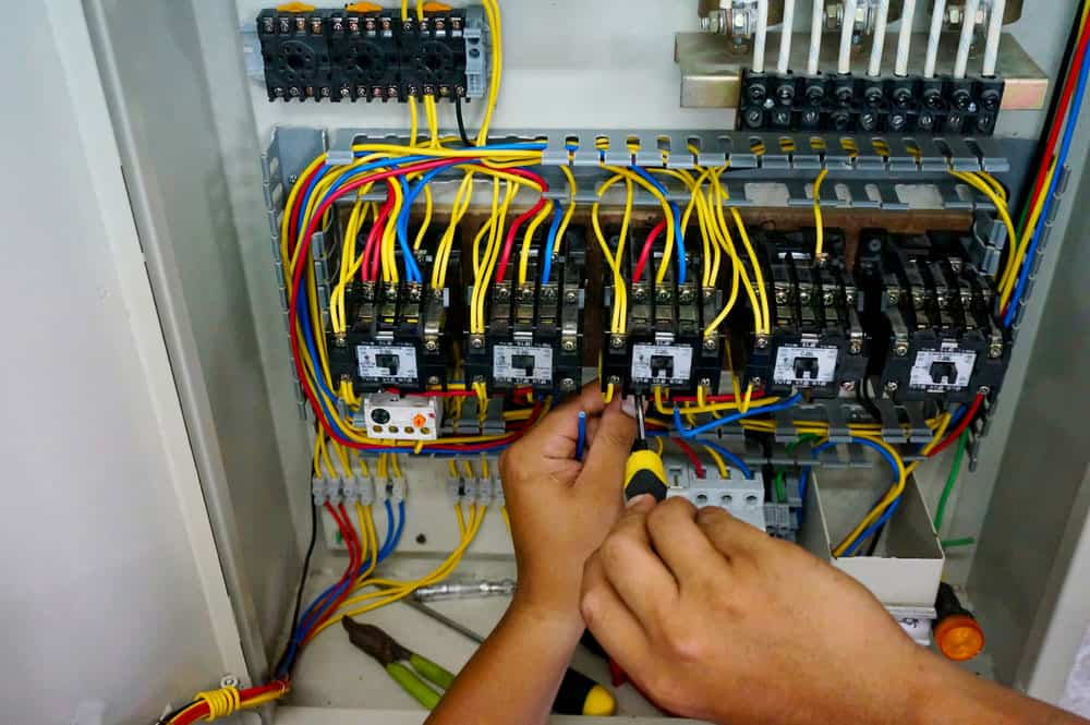 Motor Control Center Testing: Contactor wiring work